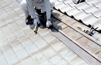 屋根のリフォームにはどのような方法があるのか?メリット・デメリットと合わせて解説サムネイル